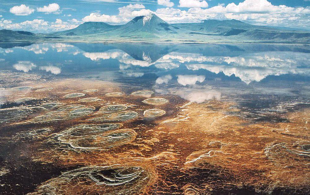 safari tanzanie phénomene surnaturel lac migration flamants roses luxe camping famille lune de miel voyage de noces