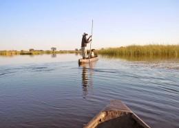 Mokoro dans le Delta de l'Okavango