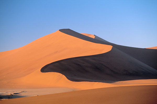explorer le désert de Namibie dunes de sable activités